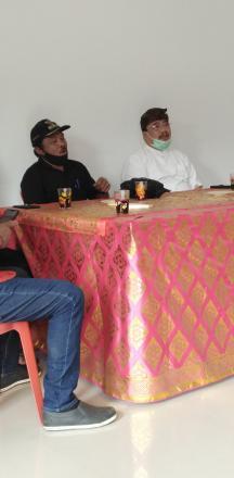 Penyerahan Sembako dari Partai Golkar