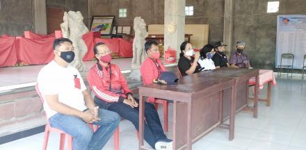 PDI Perjuangan berbagi Sembako